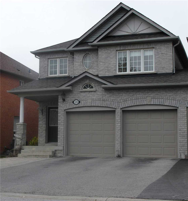28 Starr Cres&sbquo; Aurora&sbquo; Ontario L4G7X3 <br>MLS® Number: N4454194<br>For Sale: $869&sbquo;000<br>Bedrooms: 4