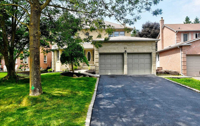 53 Beatty Cres' Aurora' Ontario L4G5V5 <br>MLS® Number: N4545474<br>For Sale: $964'000<br>Bedrooms: 4