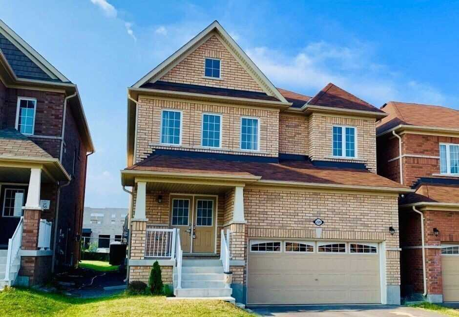 228 Pimlico Dr' Oshawa' Ontario L1L0L4 <br>MLS® Number: E4554462<br>For Sale: $699'990<br>Bedrooms: 4
