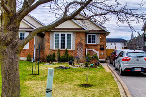 400 Pompano Crt' Oshawa' Ontario L1K 1M9 <br>MLS® Number: E4419915<br>For Sale: $494'900<br>Bedrooms: 3