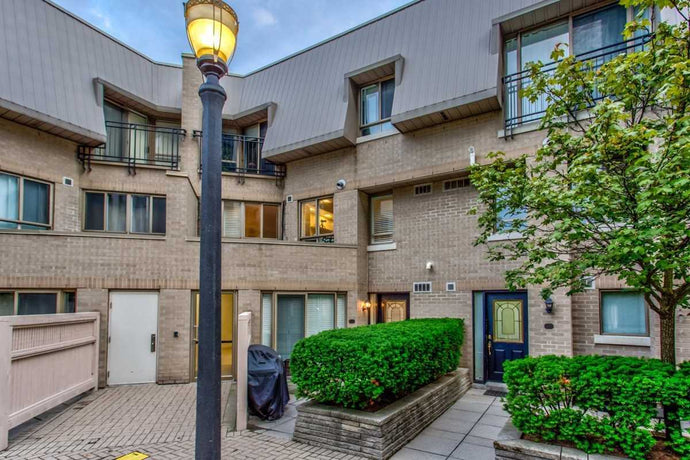 38 Hollywood Ave #112' Toronto' Ontario M2N6S5 <br>MLS® Number: C4570484<br>For Sale: $788'800<br>Bedrooms: 2