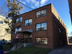 35 Lester Ave&sbquo; Toronto&sbquo; Ontario M6M1W3 <br>MLS® Number: W4536118<br>For Sale: $1&sbquo;800&sbquo;000<br>Bedrooms: 8