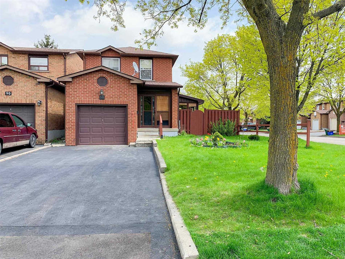 88 Duxford Cres' Markham' Ontario L3R7A6 <br>MLS® Number: N4453990<br>For Sale: $699'000<br>Bedrooms: 3