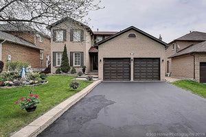 110 Crawford Rose Dr' Aurora' Ontario L4G4R9 <br>MLS® Number: N4452895<br>For Sale: $998'888<br>Bedrooms: 4