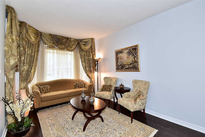 7 Albert Roffey Cres&sbquo; Markham&sbquo; Ontario L6B0H1 <br>MLS® Number: N4455752<br>For Sale: $988&sbquo;000<br>Bedrooms: 4