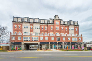 15450 Yonge St #510' Aurora' Ontario L4G0K1 <br>MLS® Number: N4435976<br>For Sale: $439'905<br>Bedrooms: 2
