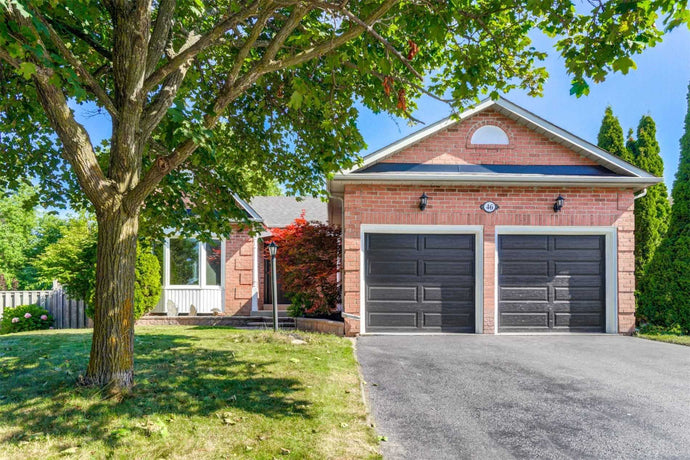 46 Ardill Cres' Aurora' Ontario L4G5S6 <br>MLS® Number: N4549125<br>For Sale: $1'025'000<br>Bedrooms: 3