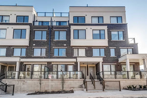 300 Alex Gardner Circ #44&sbquo; Aurora&sbquo; Ontario L4G1N4 <br>MLS® Number: N4548961<br>For Sale: $599&sbquo;000<br>Bedrooms: 2