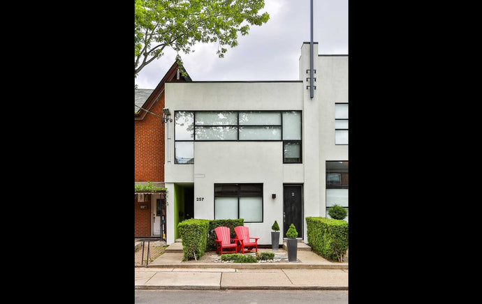257 Euclid Ave #2' Toronto' Ontario M6J2K1 <br>MLS® Number: C4570024<br>For Sale: $1'699'000<br>Bedrooms: 2