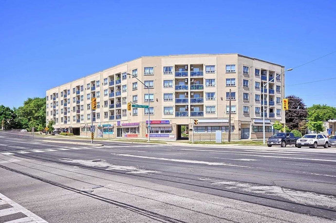 160 Wellington St E #304' Aurora' Ontario L4G1J3 <br>MLS® Number: N4549198<br>For Sale: $419'000<br>Bedrooms: 2