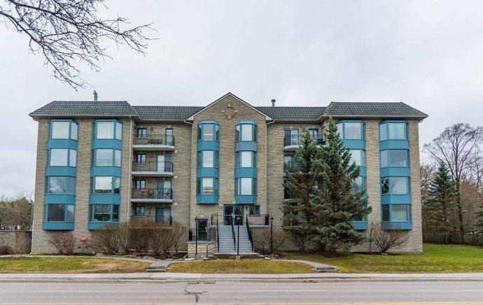 85 Wellington St W #304&sbquo; Aurora&sbquo; Ontario L4G2P2 <br>MLS® Number: N4440361<br>For Sale: $749&sbquo;000<br>Bedrooms: 2