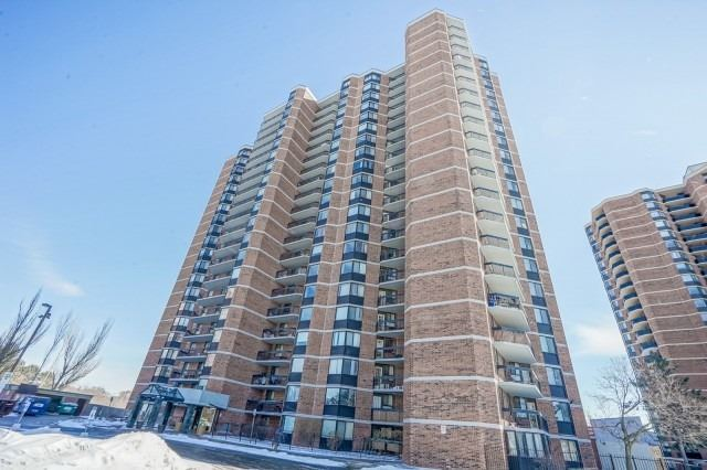 236 Albion Rd #505' Toronto' Ontario M9W6A6 <br>MLS® Number: W4569732<br>For Sale: $399'900<br>Bedrooms: 3