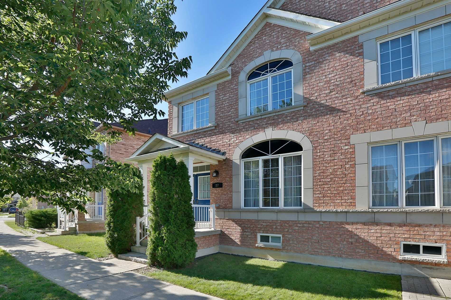 87 Rainbow Valley Cres' Markham' Ontario L6E1M2 <br>MLS® Number: N4569845<br>For Sale: $799'900<br>Bedrooms: 3