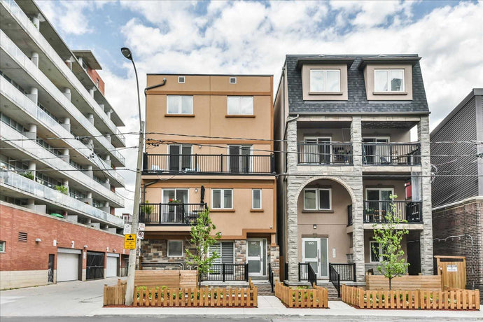 997 Lansdowne Ave' Toronto' Ontario M6H3Z5 <br>MLS® Number: W4502846<br>For Sale: $4'500'000<br>Bedrooms: 9