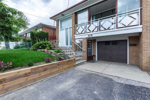 59 Sorlyn Ave&sbquo; Toronto&sbquo; Ontario M6L1H7 <br>MLS® Number: W4570038<br>For Sale: $699&sbquo;000<br>Bedrooms: 3