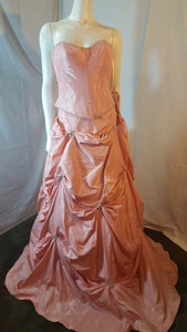 Coral long dress,  front view, sleevelees, corset , puffy skirt