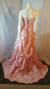 Coral long dress, back view, sleevelees, corset , puffy skirt