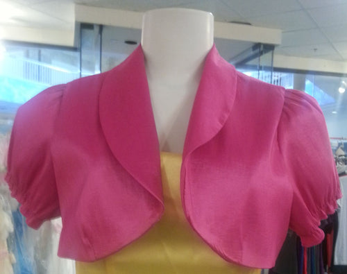 Pink bolero,  front view, short sleeves