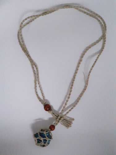 MACRAME GEMSTONE HOLDER NECKLACE