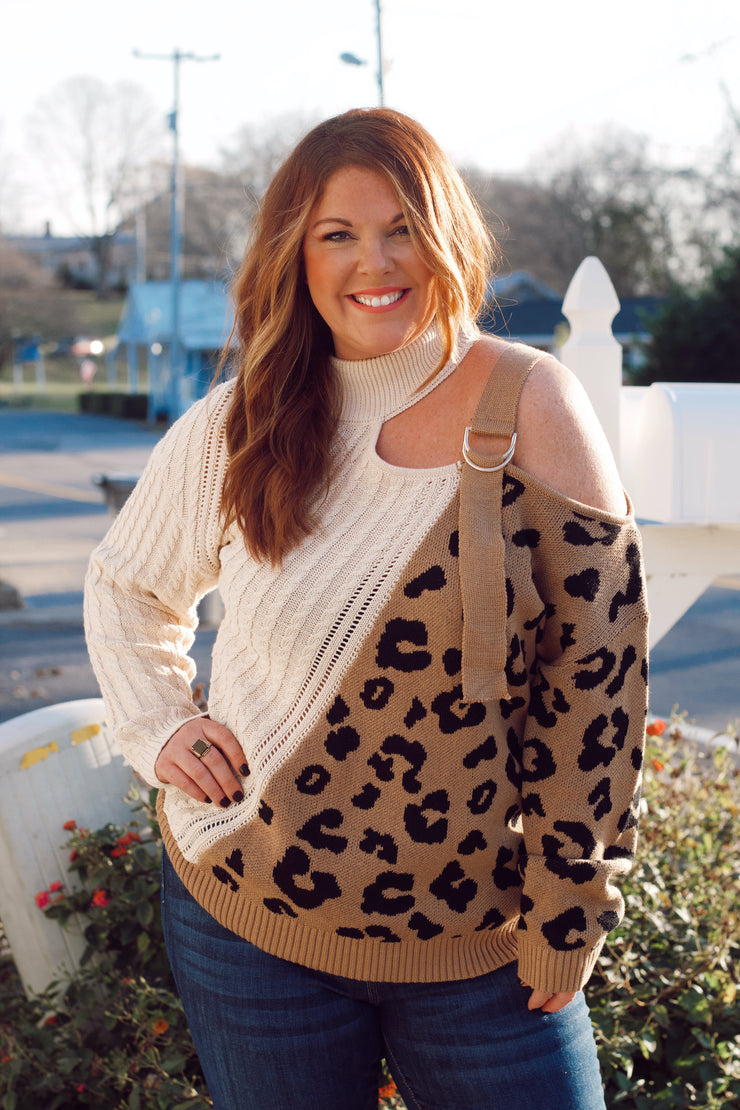 Leopard Sweater w/ Shoulder Buckle PLUS