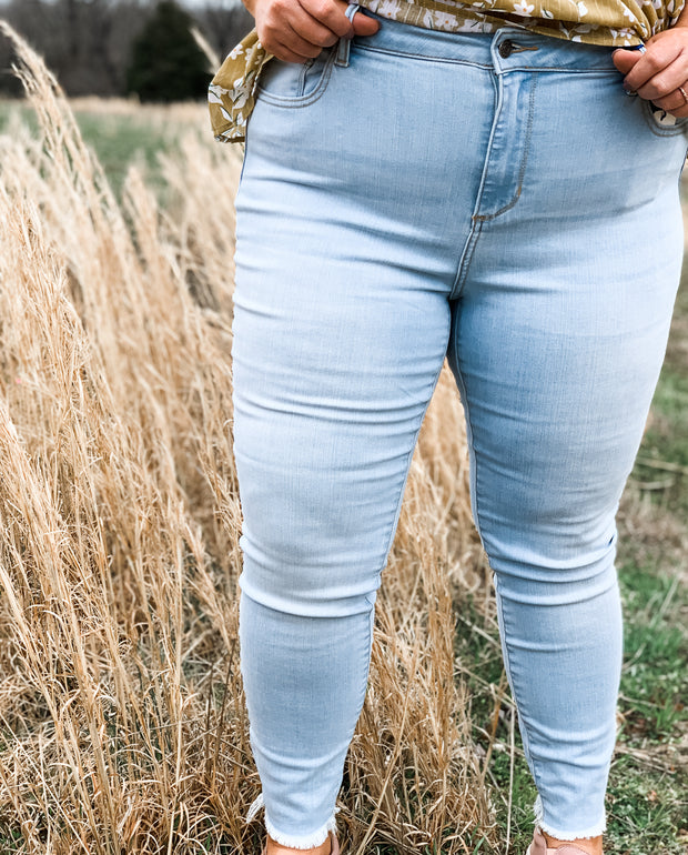 Mid Rise Light Wash Crop Skinny Jean Plus