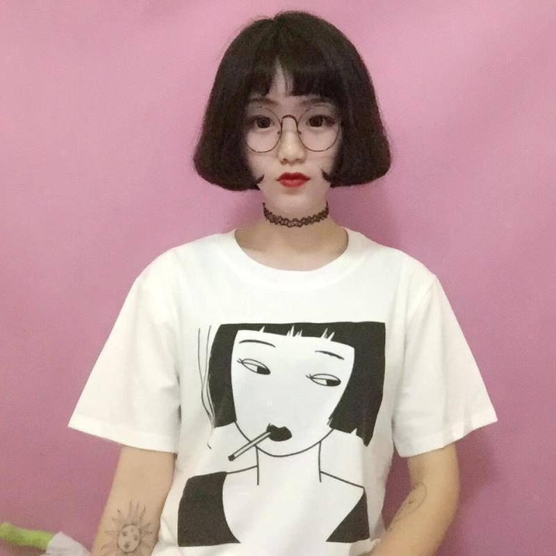 HARAJUKU SMOKING GIRL T-SHIRT