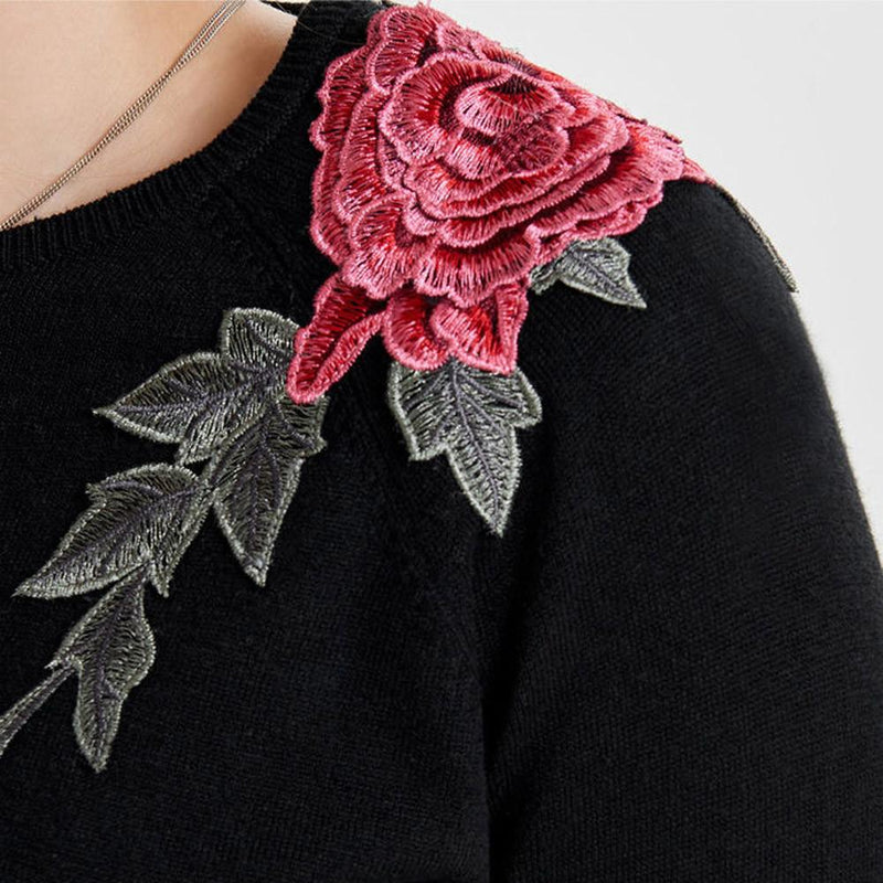 AESTHETIC LONG SLEEVE ROSE KNITTED SWEATER