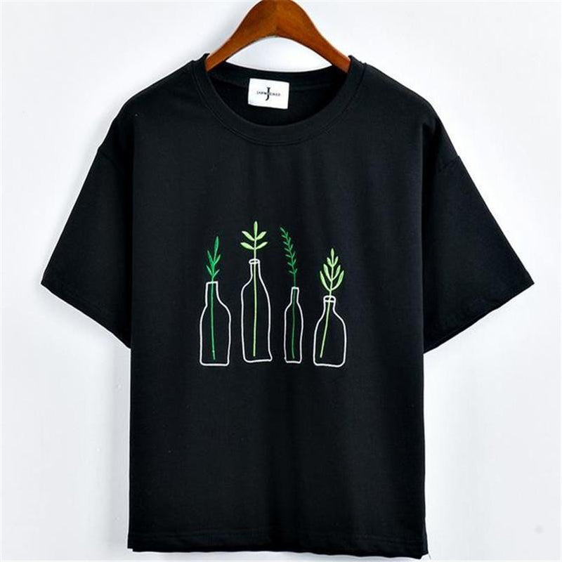 AESTHETIC PLANTS IN BOTTLES T-SHIRT