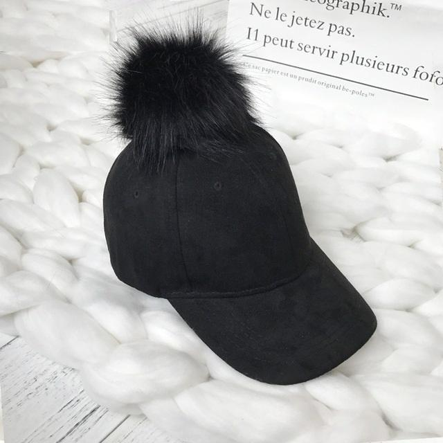 Aesthetic-POMPOM SUEDE STYLISH CAP-Black-