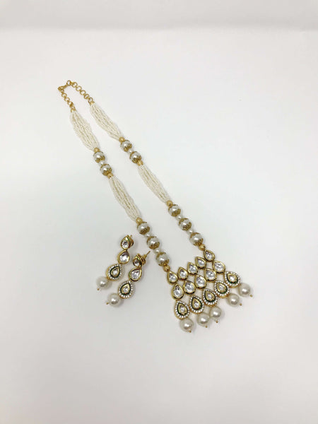 Kundan and White Pearl Set