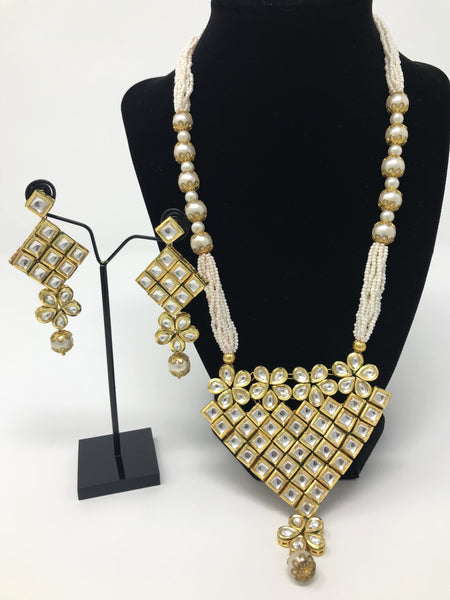 Kundan Jewelry Set