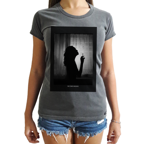 Camiseta Feminina No One Knows