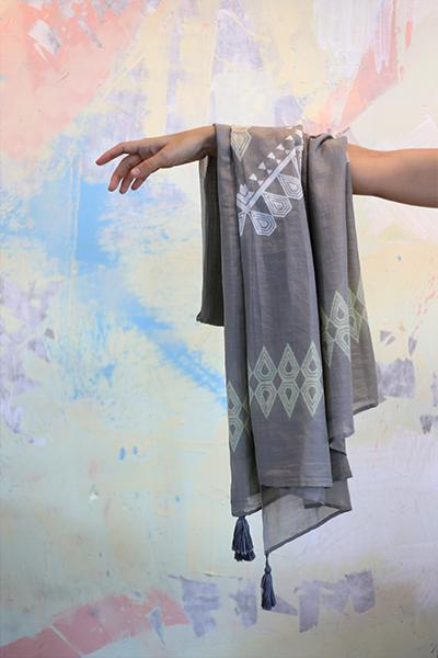 AKIN - Dragon Scarf
