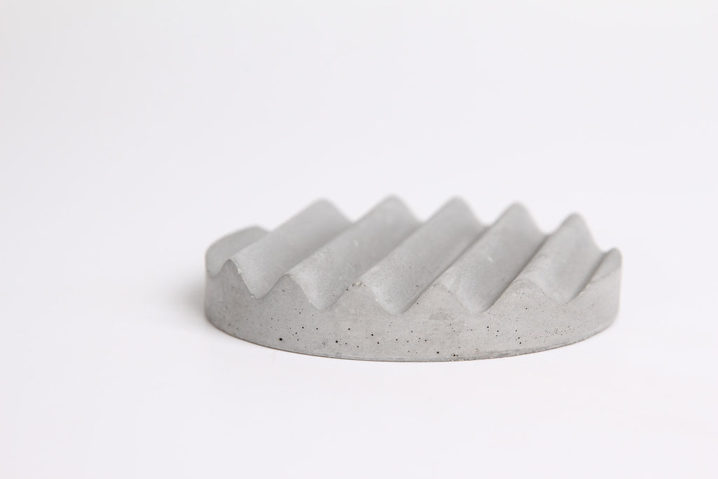 Miss Wave Concrete Pen Holder