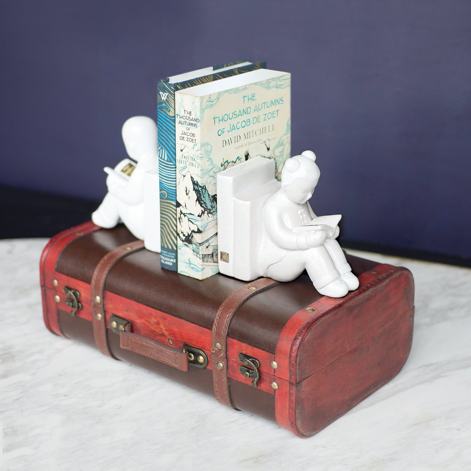 Back To The Books Bookend With Trunk (UK Exclusive)