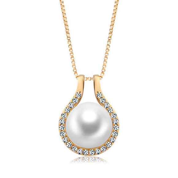 18k Gold GF Fresh Water Pearl pendant necklace with Swarovski element crystals Chain Italy