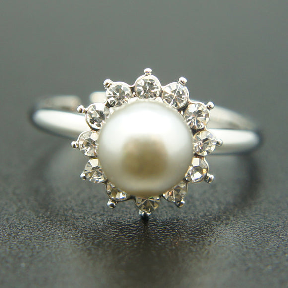 14k white Gold plated Swarovski crystals pearl ring Adjustable size 5 6 7 8 9 10