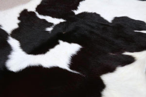 3221 Calfskin Rug Black and White
