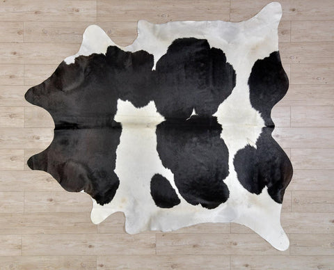 COW3158 Cowhide Rug Black & White 4.0msq
