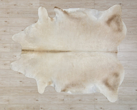 COW3166 Cowhide Rug Champagne 4.40msq