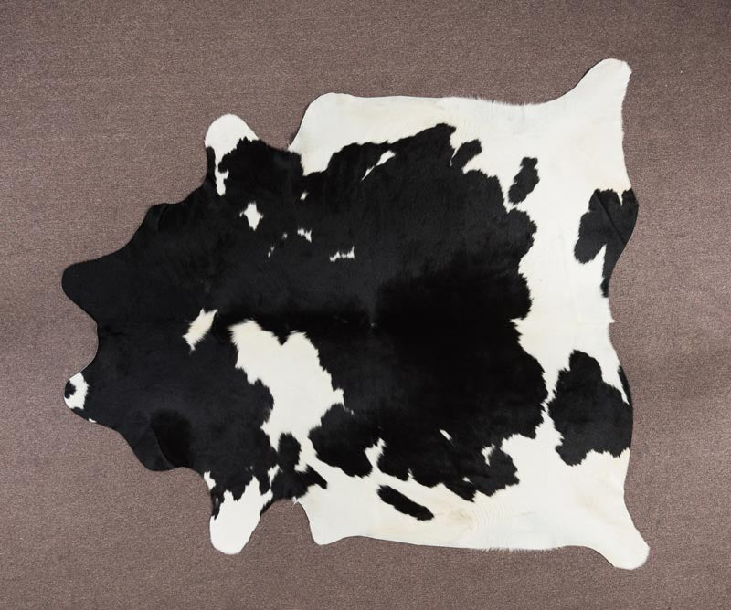 COW3619 Cowhide Rug Black & White 3.95msq
