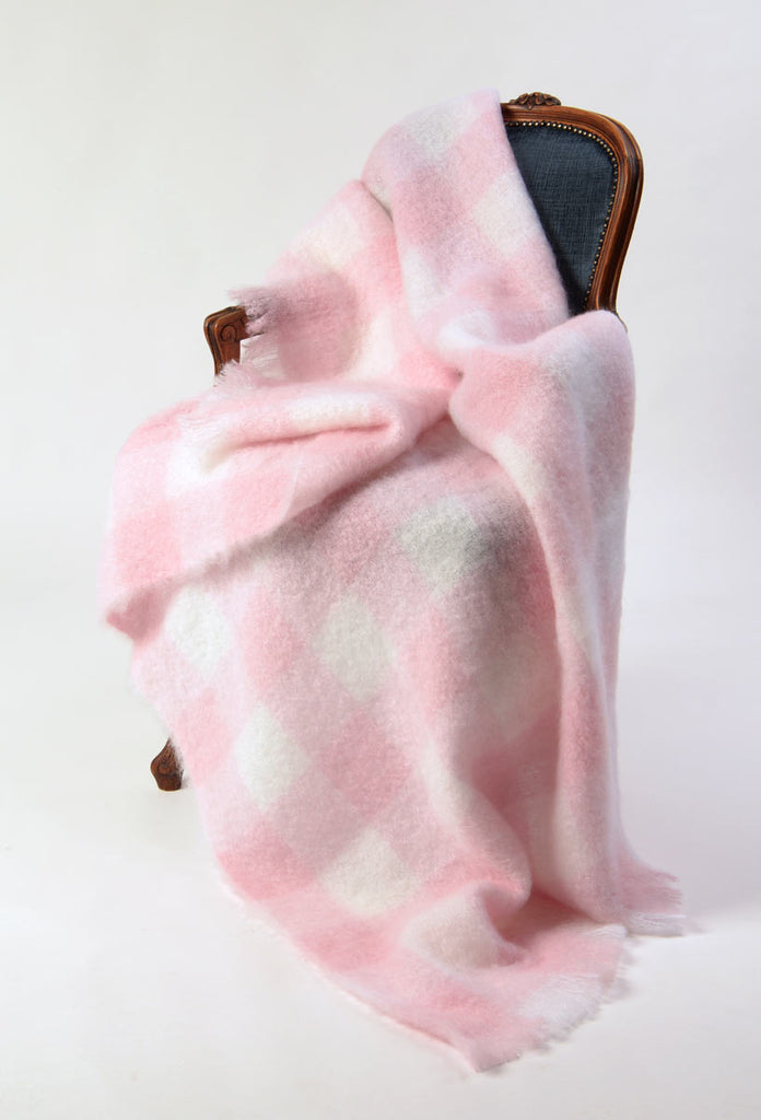 Mohair throw Candy floss pink and white checked