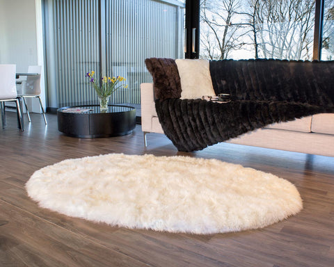Image of Ivory Wool Oval Sheepskin Rug – 120cm x 180cm