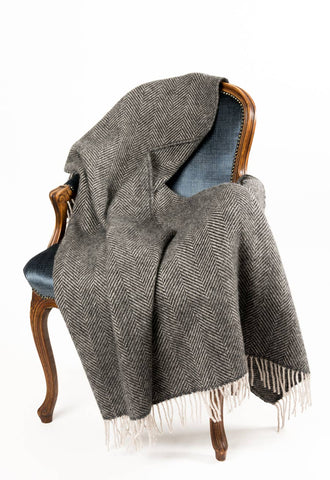 Image of Warwick Shetland Wool Throw Blanket - Lerwick Charcoal