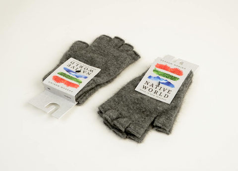 Dark silver grey unisex fingerless gloves in merino possum wool
