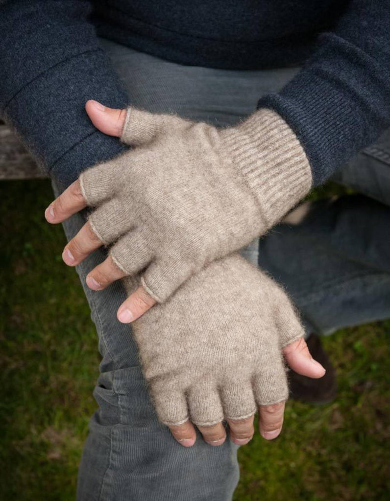 Flax beige wool fingerless gloves Native World