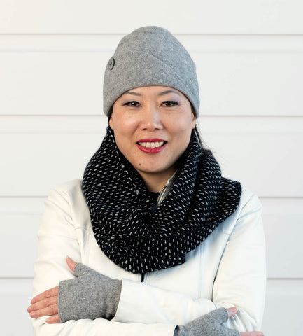 Black Endless Loop Dot Scarf - NX807