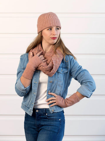 Pearl pink women's ribbed beanie in possum and merino wool
