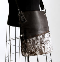 Trio Versatile Shoulder Handbag - Choc & White #10