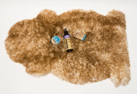 Large Dog Pamper Pack Large Sheepskin Bed Washbar Gift Set